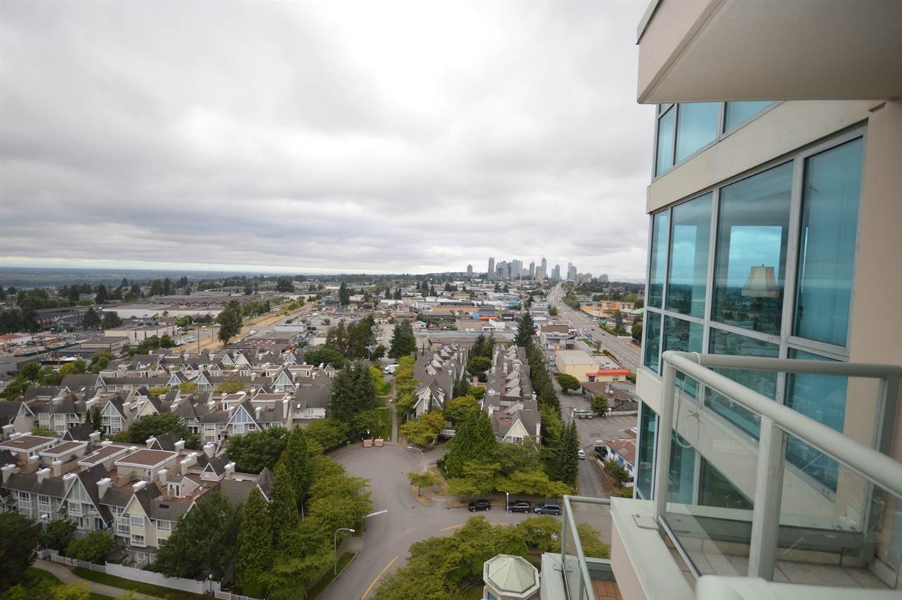 """Photo 20: Photos: 1704 6611 SOUTHOAKS Crescent in Burnaby: Highgate Condo for sale in """"GEMINI 1"""" (Burnaby South)  : MLS®# R2201383"""