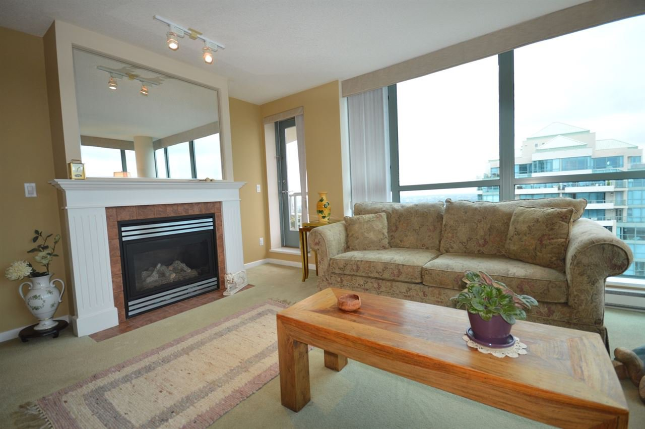 """Photo 9: Photos: 1704 6611 SOUTHOAKS Crescent in Burnaby: Highgate Condo for sale in """"GEMINI 1"""" (Burnaby South)  : MLS®# R2201383"""