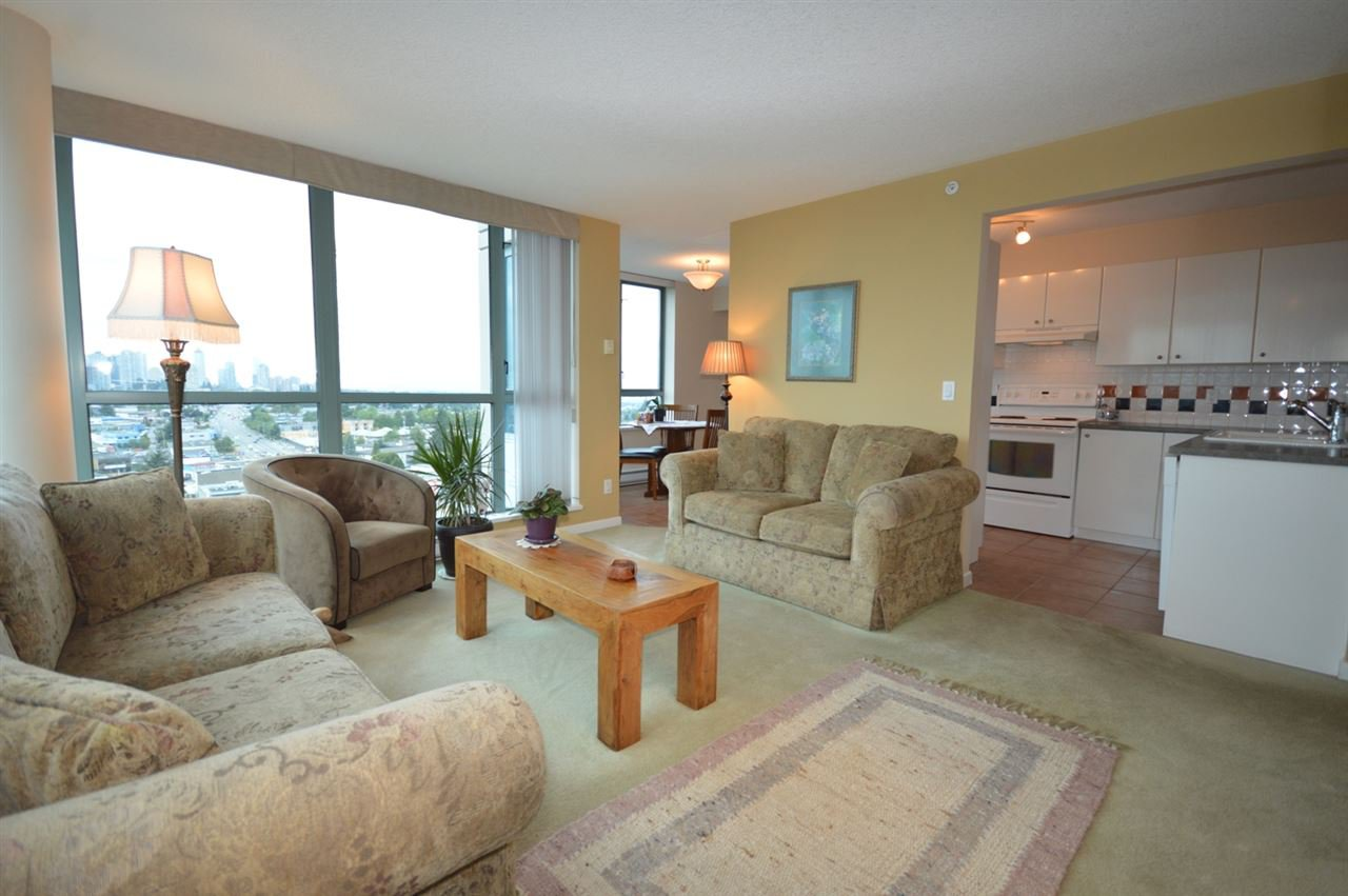 """Photo 13: Photos: 1704 6611 SOUTHOAKS Crescent in Burnaby: Highgate Condo for sale in """"GEMINI 1"""" (Burnaby South)  : MLS®# R2201383"""