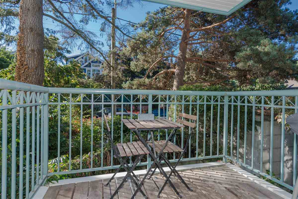 "Photo 12: Photos: 201 1617 GRANT Street in Vancouver: Grandview VE Condo for sale in ""Evergreen Place"" (Vancouver East)  : MLS®# R2204160"