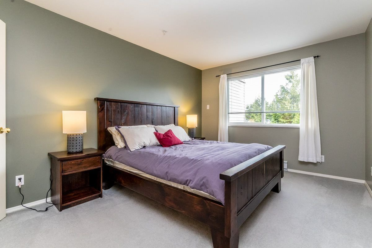 """Photo 10: Photos: 306 33718 KING Road in Abbotsford: Poplar Condo for sale in """"College Park"""" : MLS®# R2221603"""