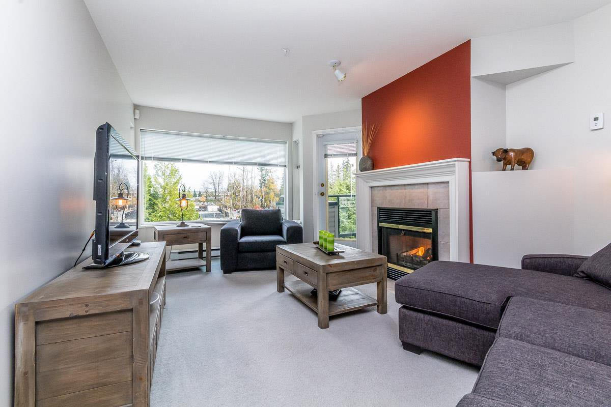 """Photo 4: Photos: 306 33718 KING Road in Abbotsford: Poplar Condo for sale in """"College Park"""" : MLS®# R2221603"""
