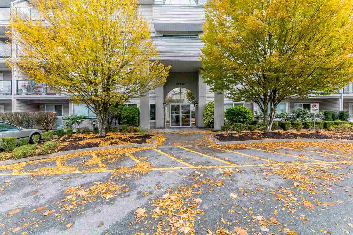 """Photo 2: Photos: 306 33718 KING Road in Abbotsford: Poplar Condo for sale in """"College Park"""" : MLS®# R2221603"""