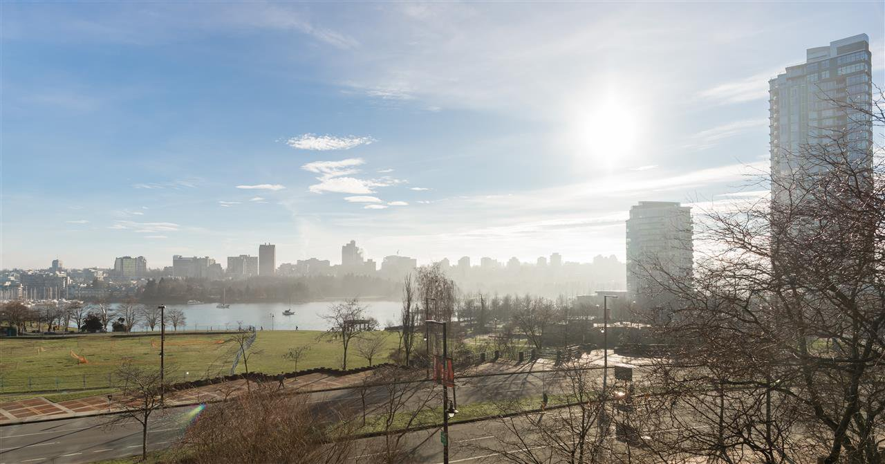 """Main Photo: 502 388 DRAKE Street in Vancouver: Yaletown Condo for sale in """"GOVERNORS TOWER"""" (Vancouver West)  : MLS®# R2231904"""