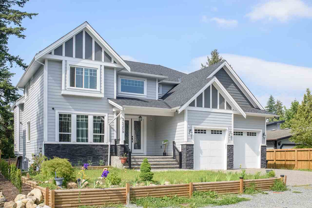 Main Photo: 34359 GREEN AVENUE in Abbotsford: Central Abbotsford House for sale : MLS®# R2215497