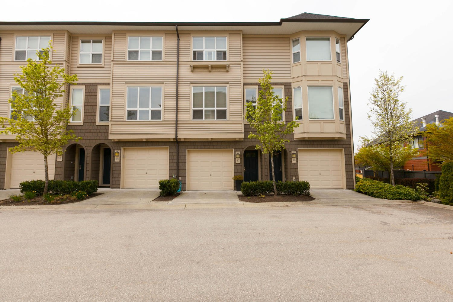 "Photo 1: Photos: 97 7938 209 Street in Langley: Willoughby Heights Townhouse for sale in ""Red Maple Park"" : MLS®# R2260950"