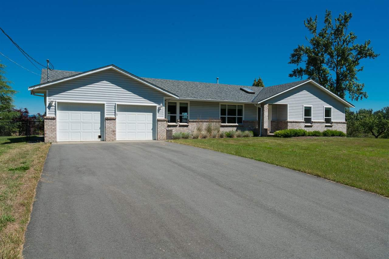 Main Photo: 27975 QUINTON Avenue in Abbotsford: Aberdeen House for sale : MLS®# R2287669