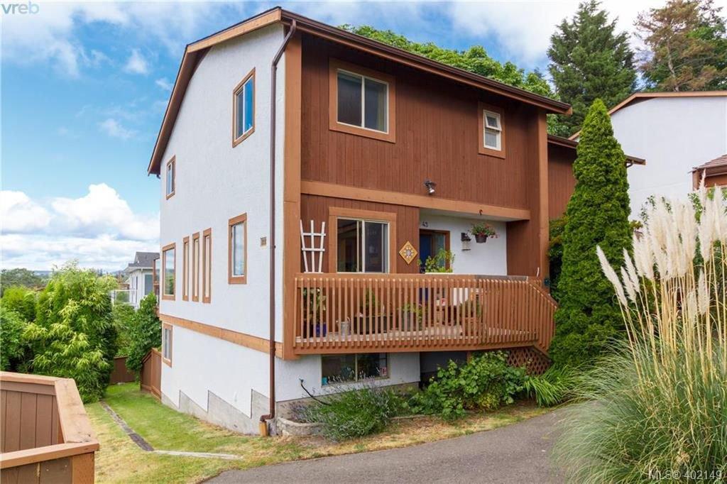 Main Photo: 43 933 ADMIRALS Rd in VICTORIA: Es Esquimalt Row/Townhouse for sale (Esquimalt)  : MLS®# 802502