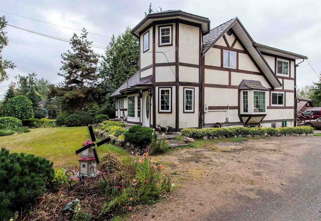"""Photo 2: Photos: 5341 256 Street in Langley: Salmon River House for sale in """"Salmon River"""" : MLS®# R2338105"""