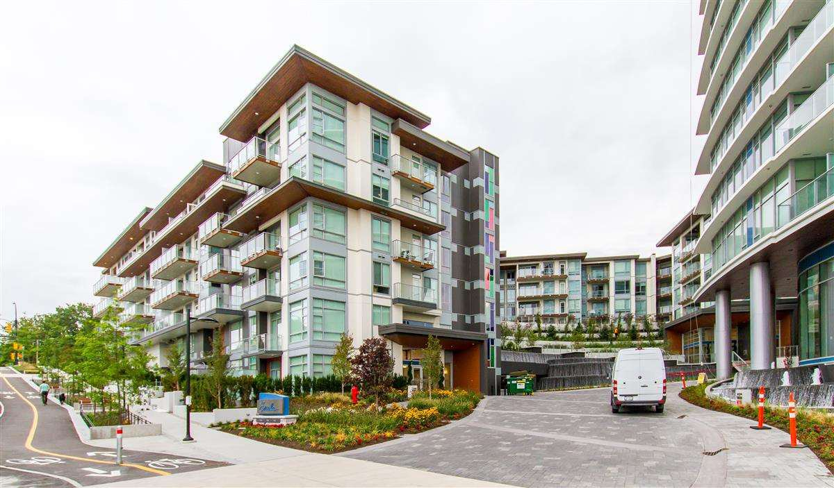 "Main Photo: 307 1728 GILMORE Avenue in Burnaby: Willingdon Heights Condo for sale in ""ESCALA"" (Burnaby North)  : MLS®# R2392547"