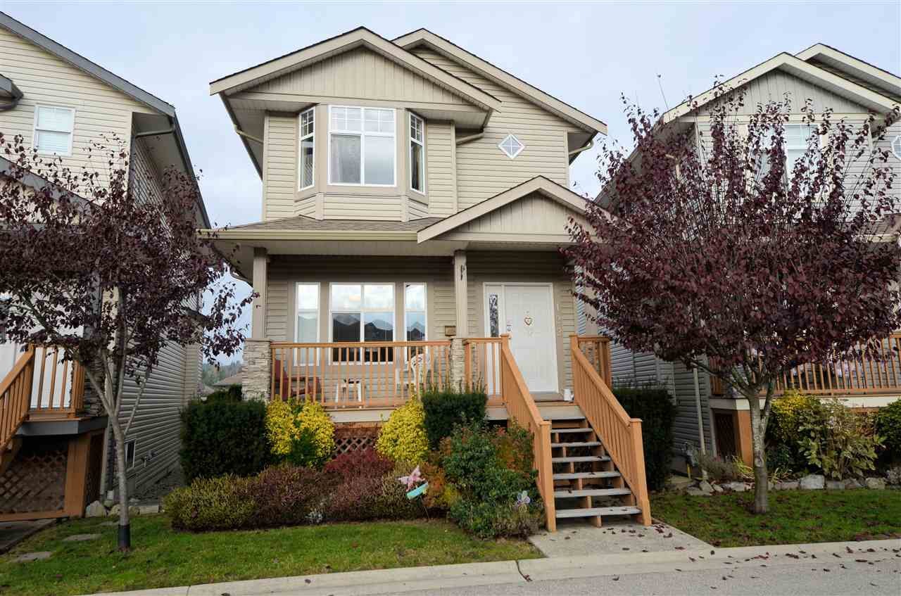 Main Photo: 122 33751 7TH AVENUE in Mission: Mission BC House for sale : MLS®# R2424389