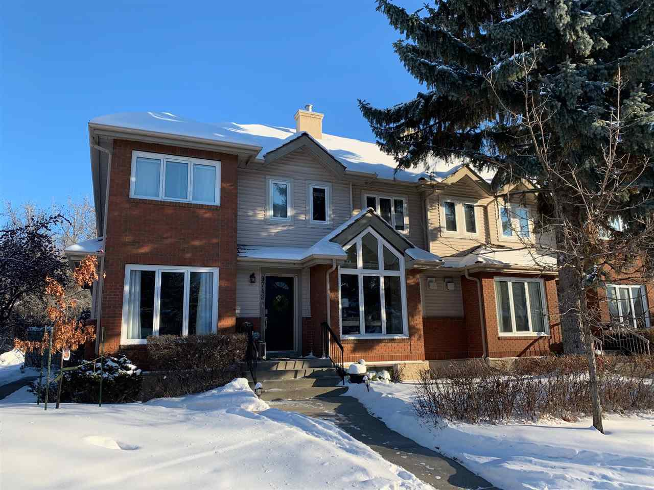 Main Photo: 9743 91 Street in Edmonton: Zone 18 Townhouse for sale : MLS®# E4184902