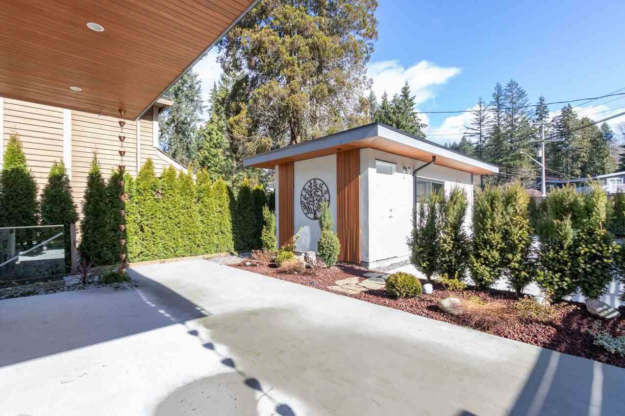 """Photo 18: Photos: 750 GRANTHAM Place in North Vancouver: Seymour NV House for sale in """"SEYMOUR"""" : MLS®# R2441900"""