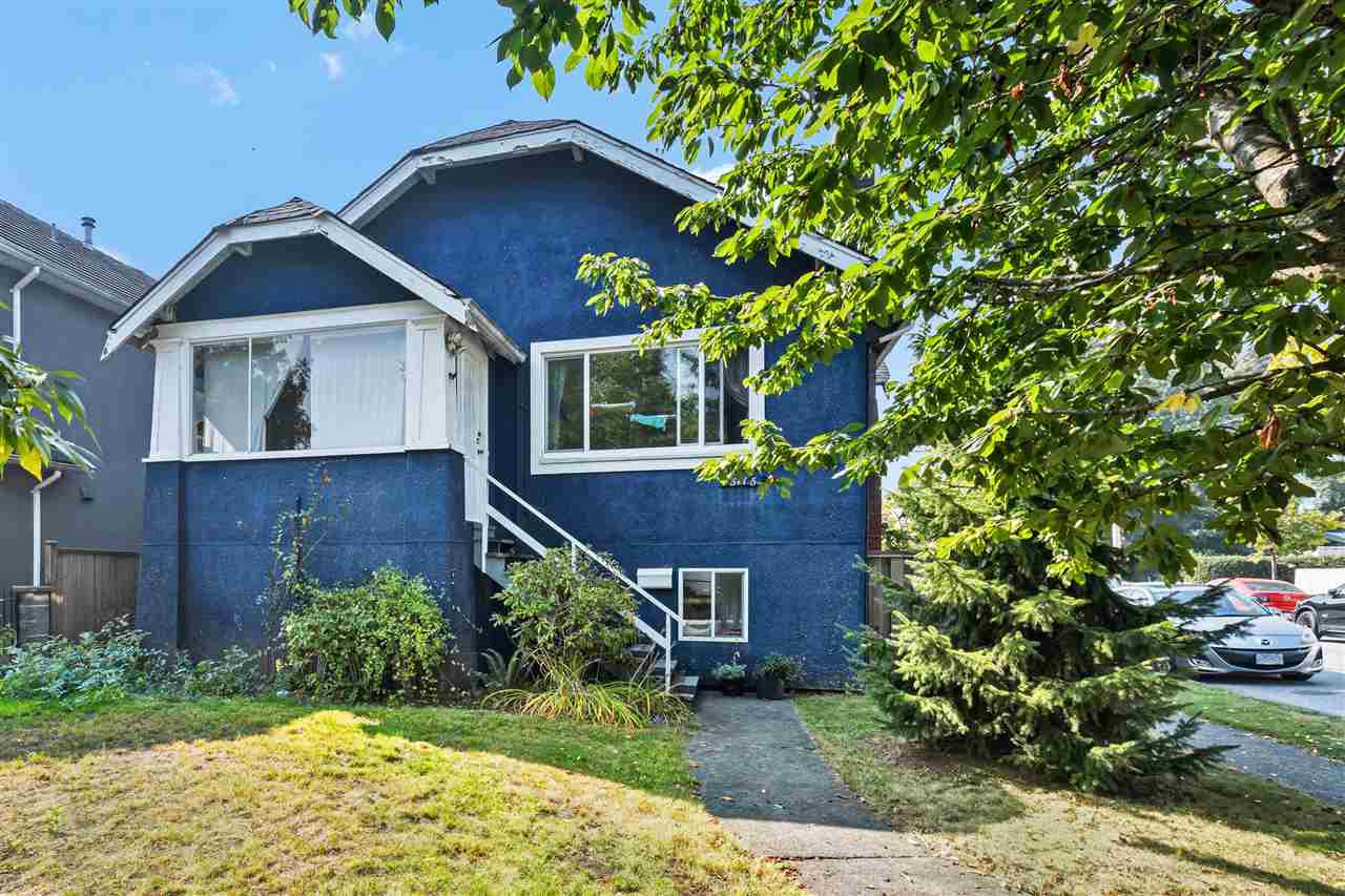 Main Photo: 5115 CHESTER Street in Vancouver: Fraser VE House for sale (Vancouver East)  : MLS®# R2498045