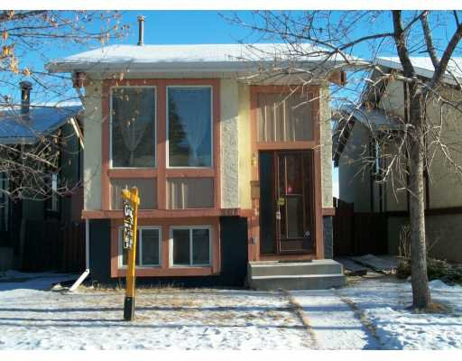 Main Photo:  in CALGARY: Temple Residential Detached Single Family for sale (Calgary)  : MLS®# C3108046