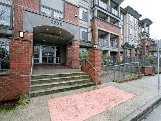 Main Photo: 202 2330 WILSON Avenue in Port Coquitlam: Central Pt Coquitlam Condo for sale : MLS®# V1047979