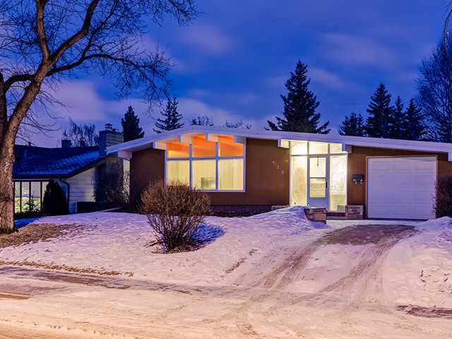 Main Photo: 428 42 Street SW in CALGARY: Wildwood Residential Detached Single Family for sale (Calgary)  : MLS®# C3603199