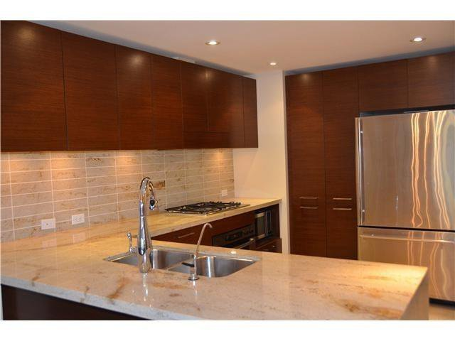 """Photo 4: Photos: 213 6015 IONA Drive in Vancouver: University VW Condo for sale in """"CHANCELLOR HOUSE"""" (Vancouver West)  : MLS®# V1052273"""
