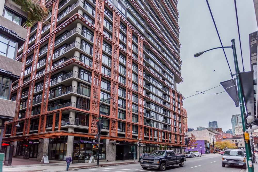 "Main Photo: 4008 128 W CORDOVA Street in Vancouver: Downtown VW Condo for sale in ""Woodwards"" (Vancouver West)  : MLS®# R2010688"