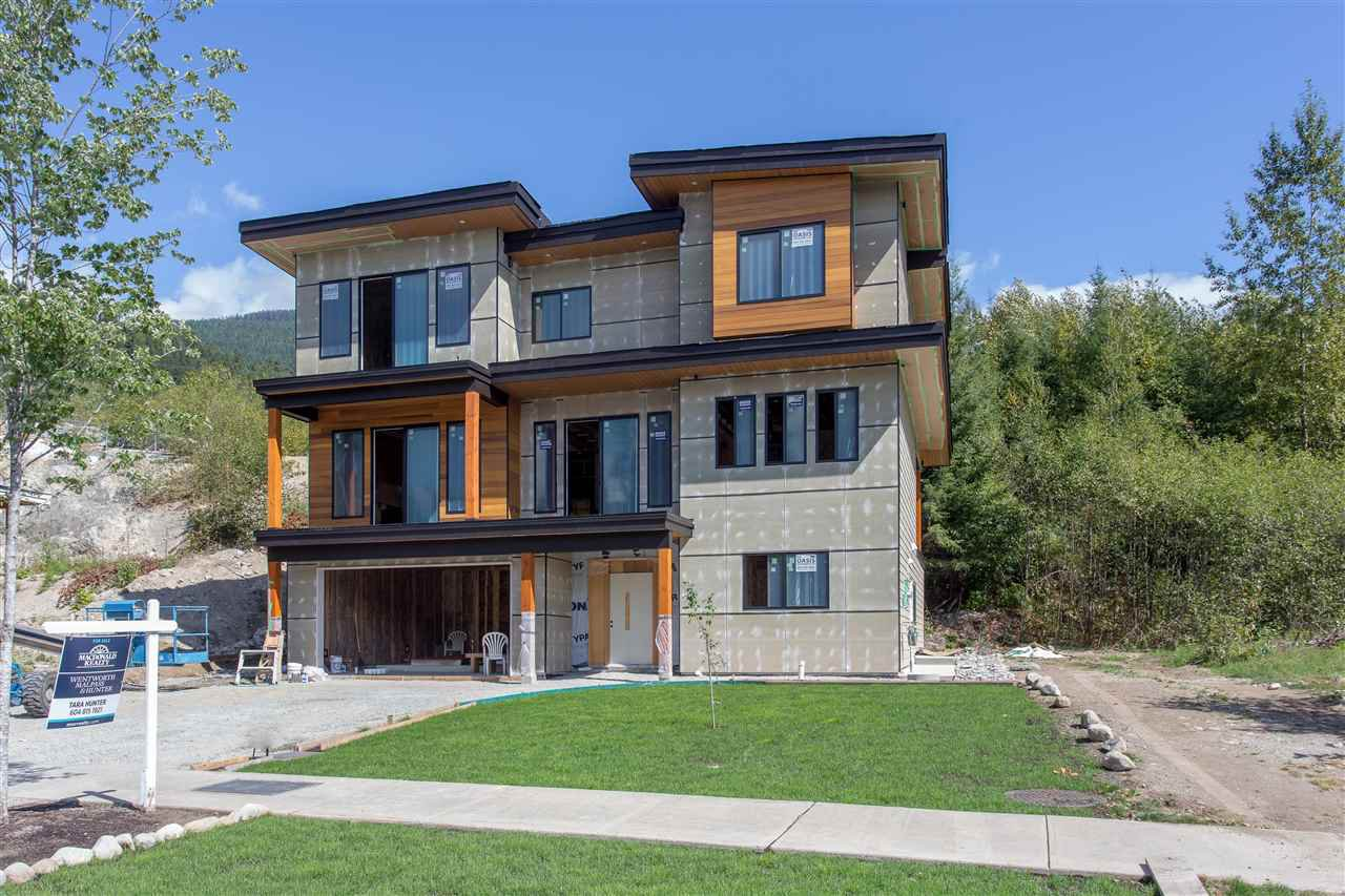 Main Photo: 40300 ARISTOTLE Drive in Squamish: University Highlands House for sale : MLS®# R2090353