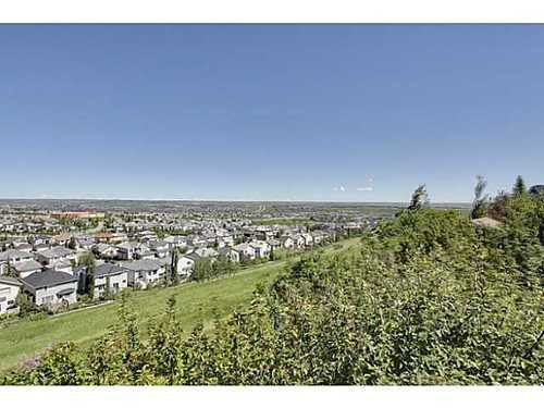 Main Photo: 147 EDGEBROOK Circle NW in Calgary: 2 Storey for sale : MLS®# C3580214