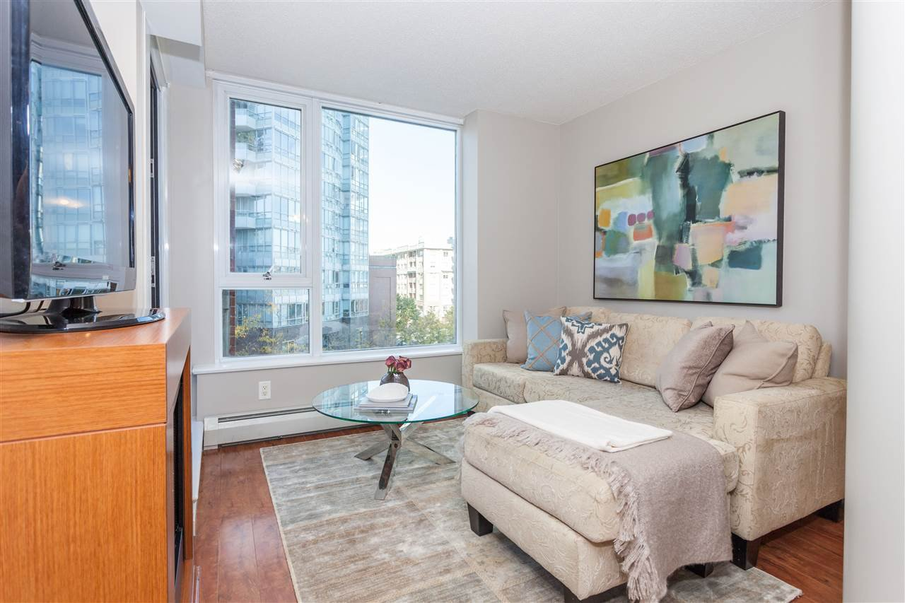 """Photo 1: Photos: 507 58 KEEFER Place in Vancouver: Downtown VW Condo for sale in """"FIRENZE 1"""" (Vancouver West)  : MLS®# R2112041"""