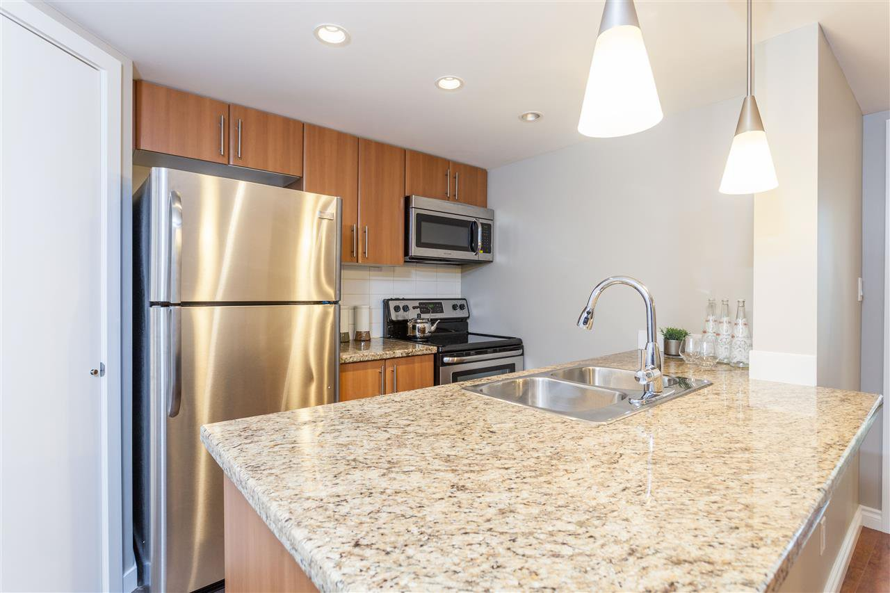 """Photo 8: Photos: 507 58 KEEFER Place in Vancouver: Downtown VW Condo for sale in """"FIRENZE 1"""" (Vancouver West)  : MLS®# R2112041"""