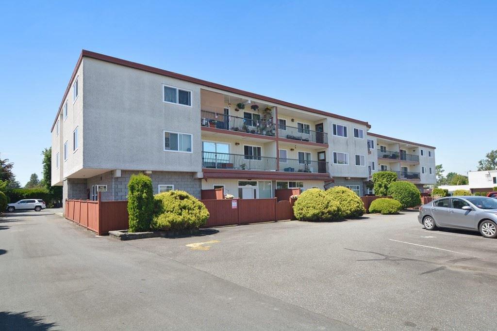 Main Photo: 301 3043 270 Street in Langley: Aldergrove Langley Condo for sale : MLS®# R2172326