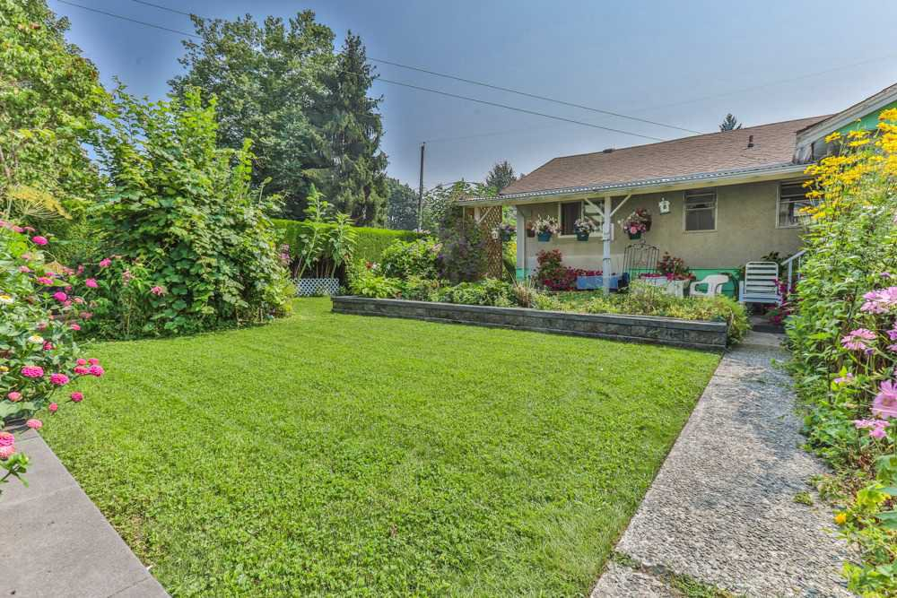Photo 13: Photos: 1607 MANNING Avenue in Port Coquitlam: Glenwood PQ House for sale : MLS®# R2198813