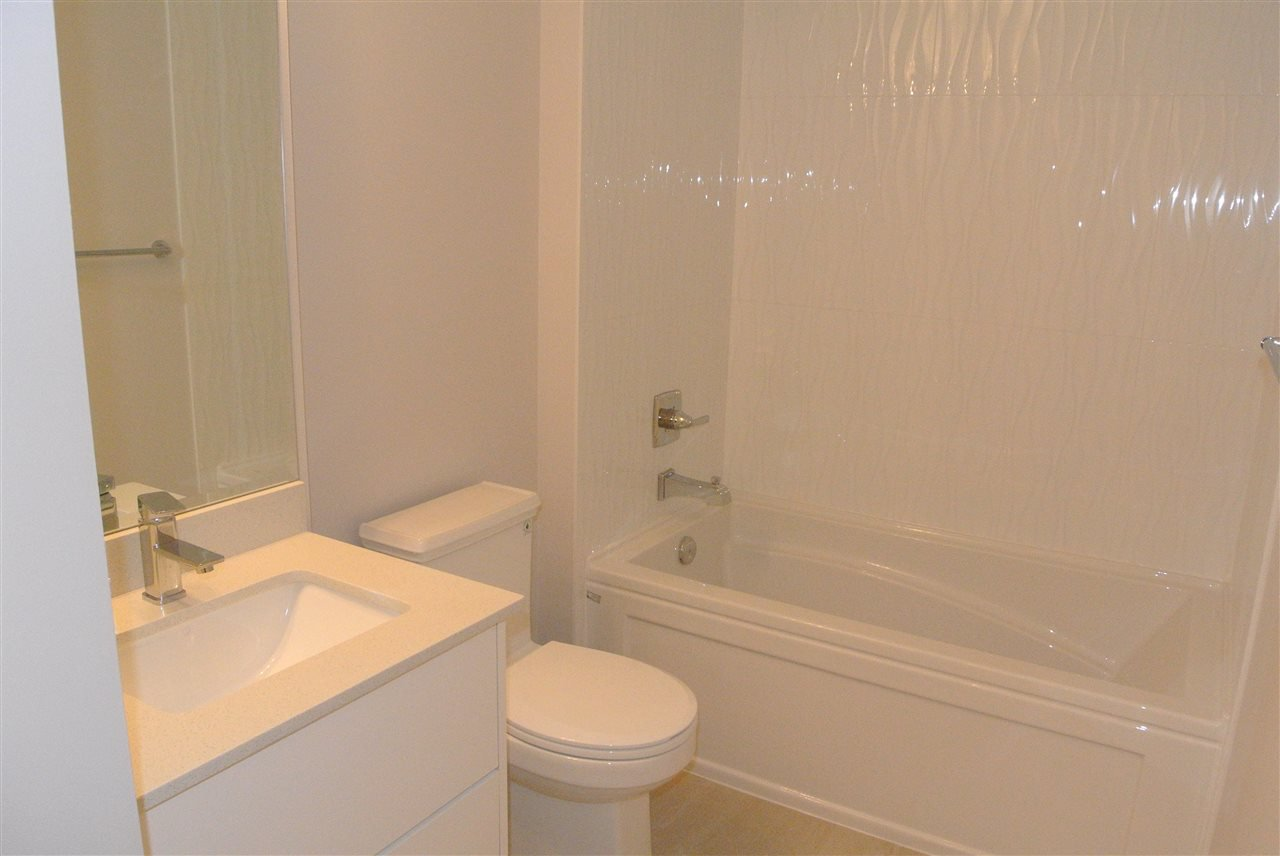 Photo 7: Photos: 512 809 FOURTH AVENUE in New Westminster: Uptown NW Condo for sale : MLS®# R2197311