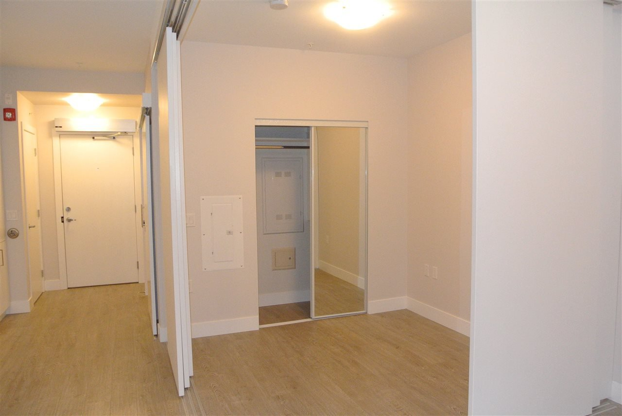 Photo 4: Photos: 512 809 FOURTH AVENUE in New Westminster: Uptown NW Condo for sale : MLS®# R2197311