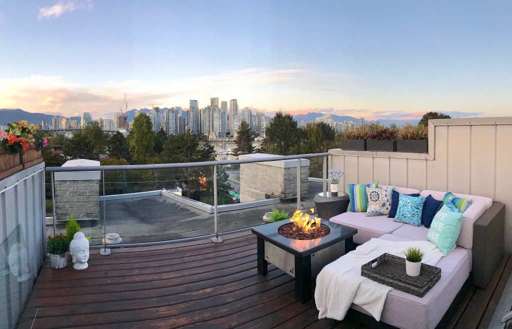 "Main Photo: 9 1250 W 6TH Avenue in Vancouver: Fairview VW Townhouse for sale in ""SILVER"" (Vancouver West)  : MLS®# R2213321"