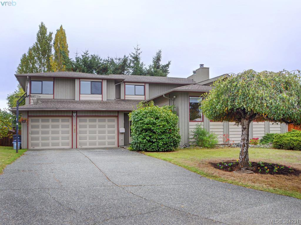 Main Photo: 4188 Keewatin Place in VICTORIA: SE High Quadra Single Family Detached for sale (Saanich East)  : MLS®# 384231