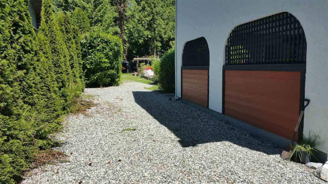 Photo 13: Photos: 4198 BROWNING Road in Sechelt: Sechelt District House for sale (Sunshine Coast)  : MLS®# R2242910