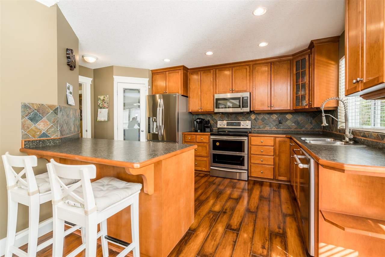 "Photo 6: Photos: 32744 HOOD Avenue in Mission: Mission BC House for sale in ""CEDAR VALLEY"" : MLS®# R2249639"
