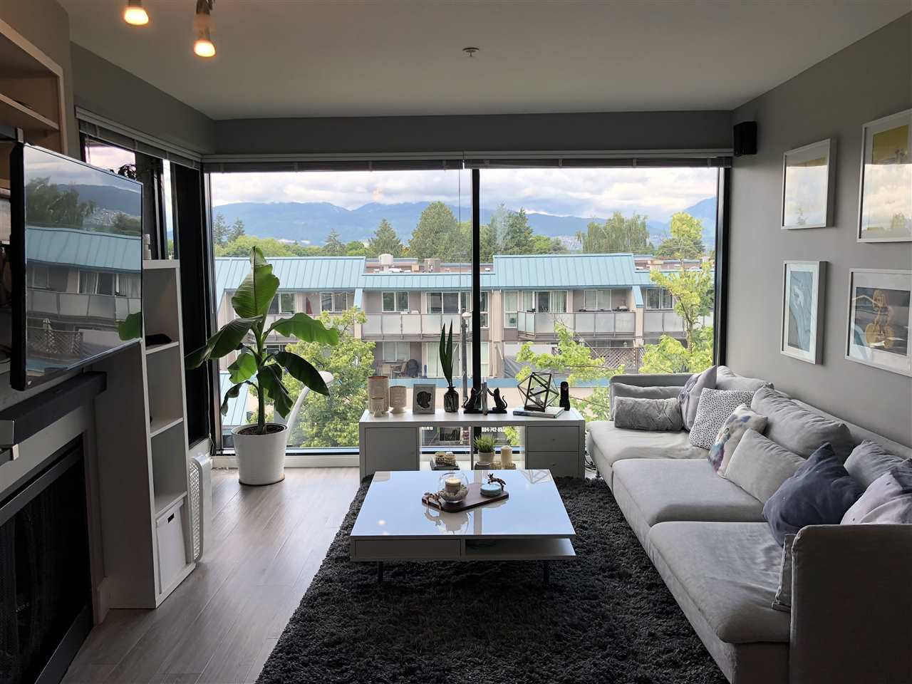 Photo 2: Photos: 404 2525 BLENHEIM Street in Vancouver: Kitsilano Condo for sale (Vancouver West)  : MLS®# R2278188