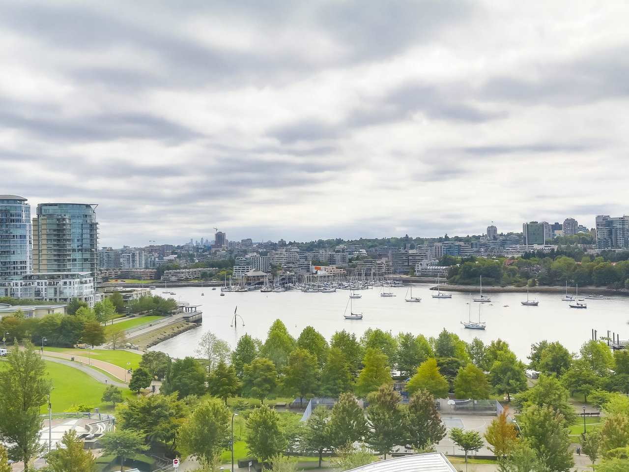 "Main Photo: 1202 1408 STRATHMORE Mews in Vancouver: Yaletown Condo for sale in ""WEST ONE"" (Vancouver West)  : MLS®# R2326938"