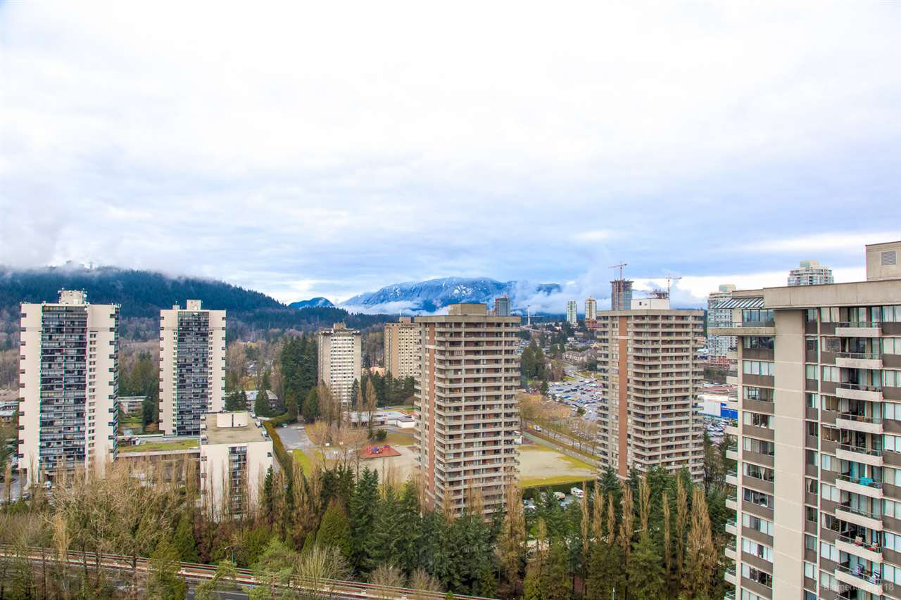 "Photo 14: Photos: 2404 3980 CARRIGAN Court in Burnaby: Government Road Condo for sale in ""DISCOVERY 1"" (Burnaby North)  : MLS®# R2328794"