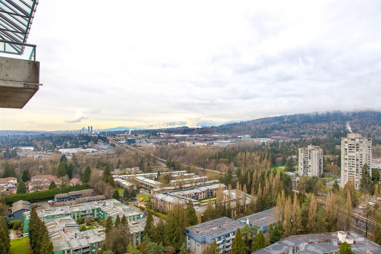 "Photo 13: Photos: 2404 3980 CARRIGAN Court in Burnaby: Government Road Condo for sale in ""DISCOVERY 1"" (Burnaby North)  : MLS®# R2328794"