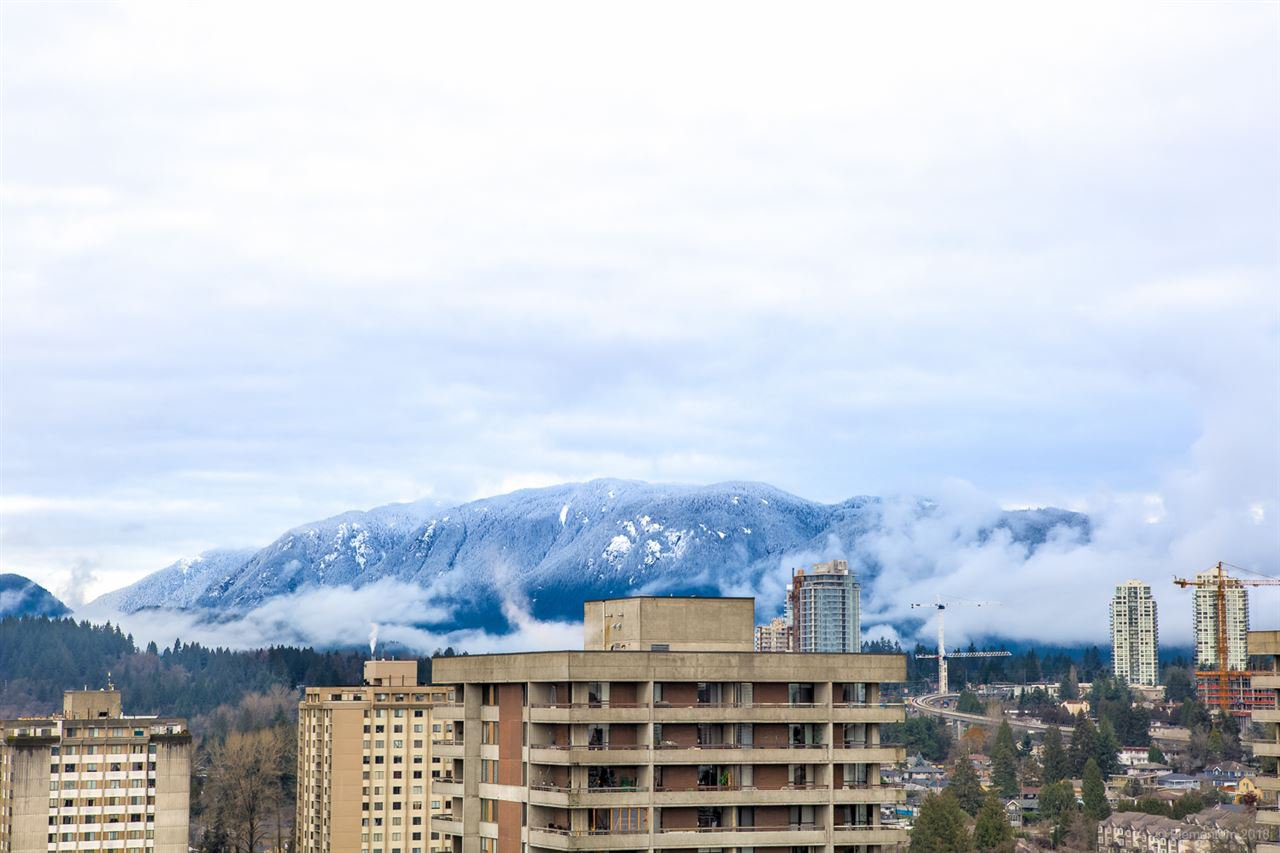 "Photo 15: Photos: 2404 3980 CARRIGAN Court in Burnaby: Government Road Condo for sale in ""DISCOVERY 1"" (Burnaby North)  : MLS®# R2328794"