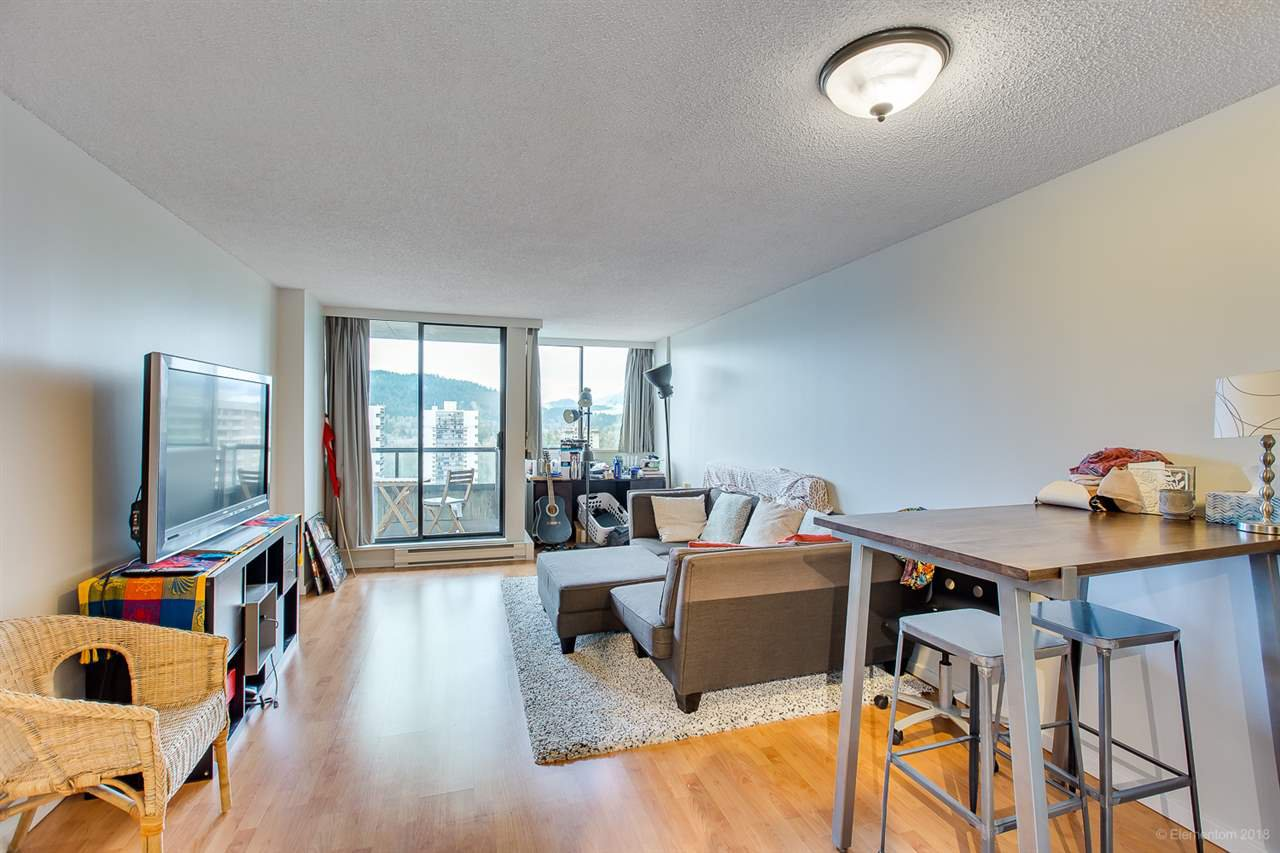 "Photo 8: Photos: 2404 3980 CARRIGAN Court in Burnaby: Government Road Condo for sale in ""DISCOVERY 1"" (Burnaby North)  : MLS®# R2328794"