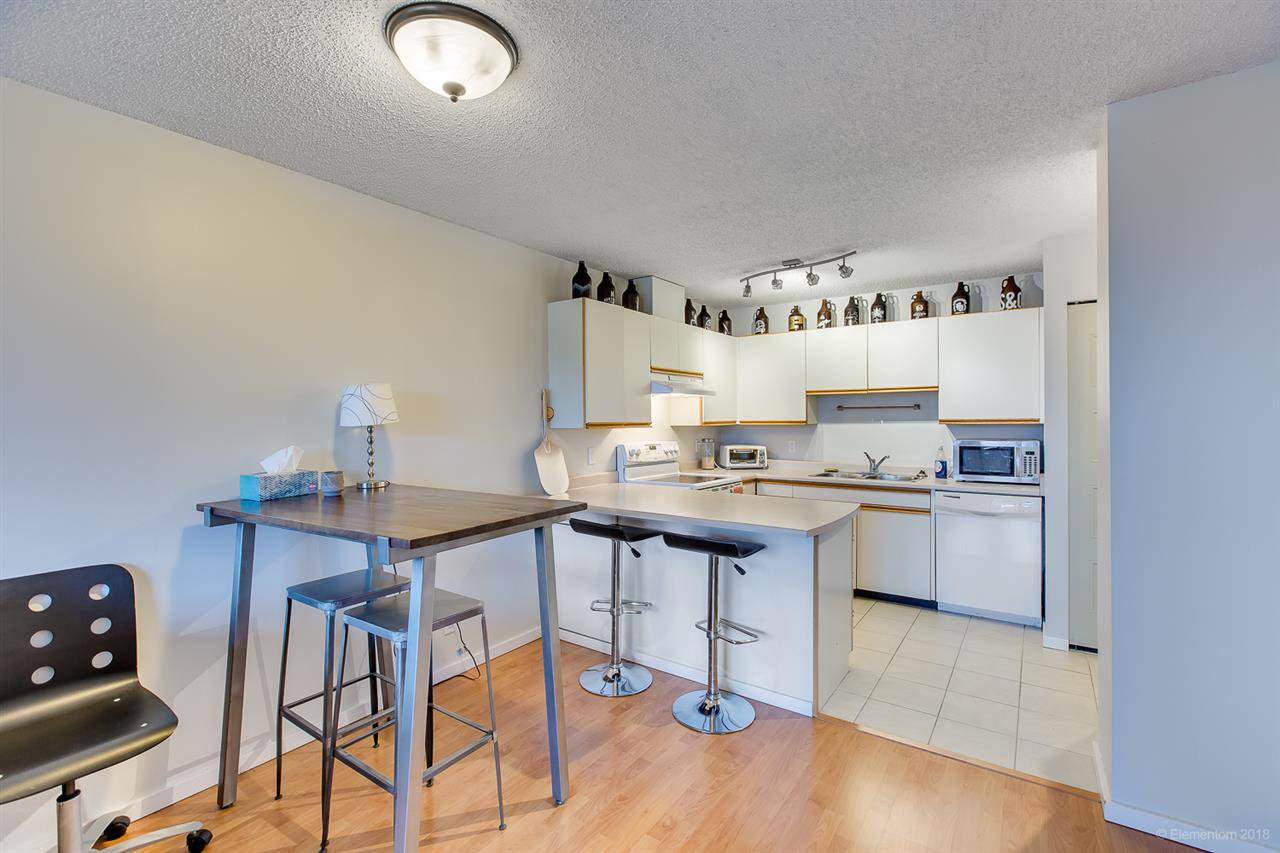 "Photo 6: Photos: 2404 3980 CARRIGAN Court in Burnaby: Government Road Condo for sale in ""DISCOVERY 1"" (Burnaby North)  : MLS®# R2328794"