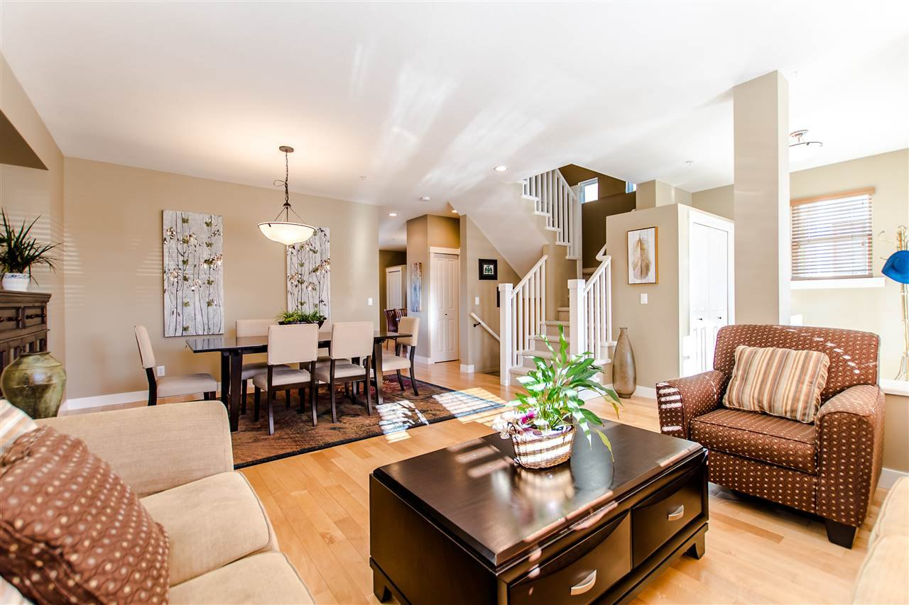 """Photo 3: Photos: 9423 CASIMIR Street in Langley: Fort Langley House for sale in """"Bedford Landing"""" : MLS®# R2339195"""