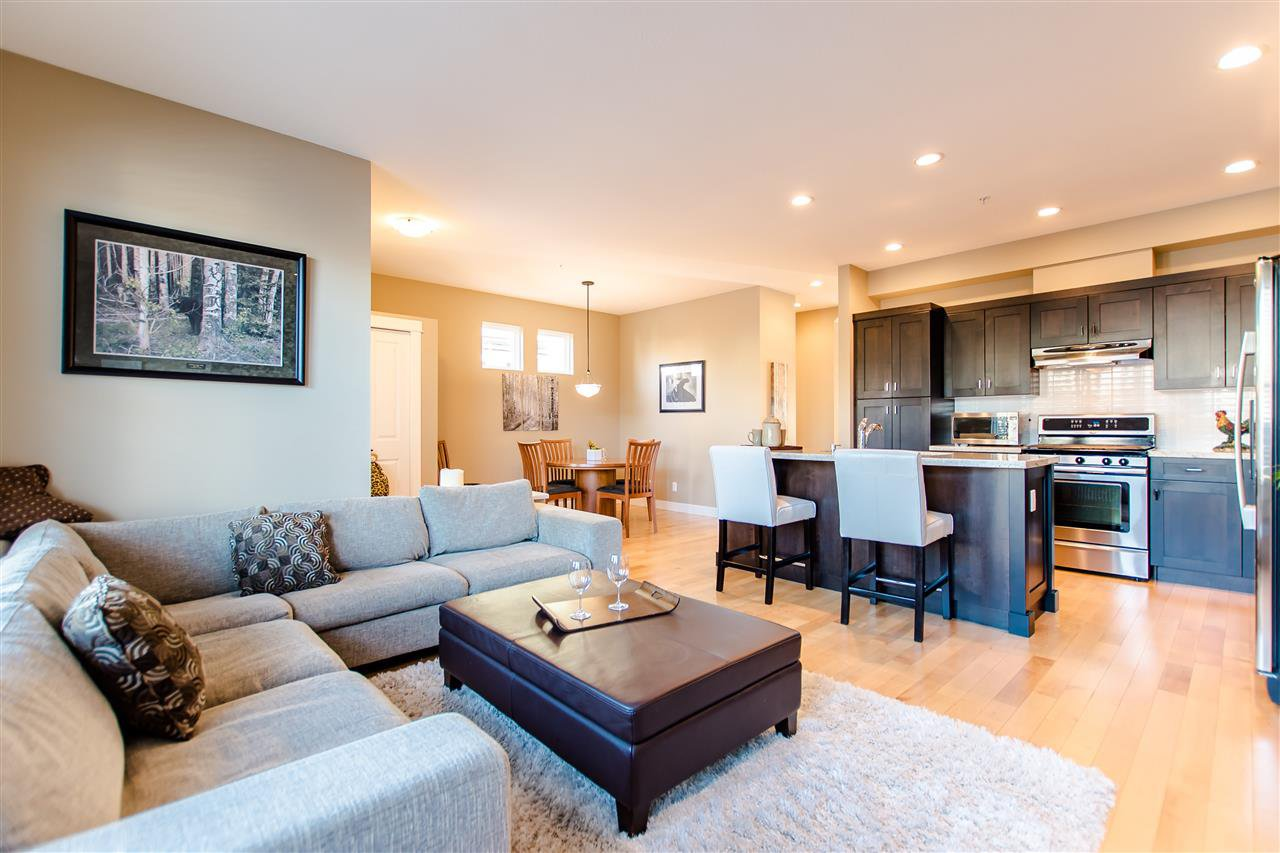 """Photo 7: Photos: 9423 CASIMIR Street in Langley: Fort Langley House for sale in """"Bedford Landing"""" : MLS®# R2339195"""