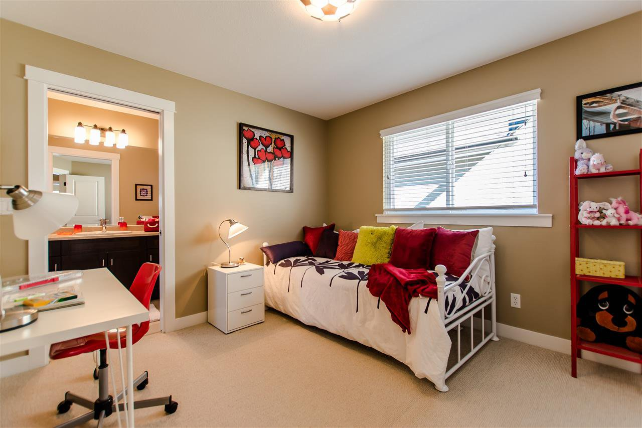 """Photo 15: Photos: 9423 CASIMIR Street in Langley: Fort Langley House for sale in """"Bedford Landing"""" : MLS®# R2339195"""