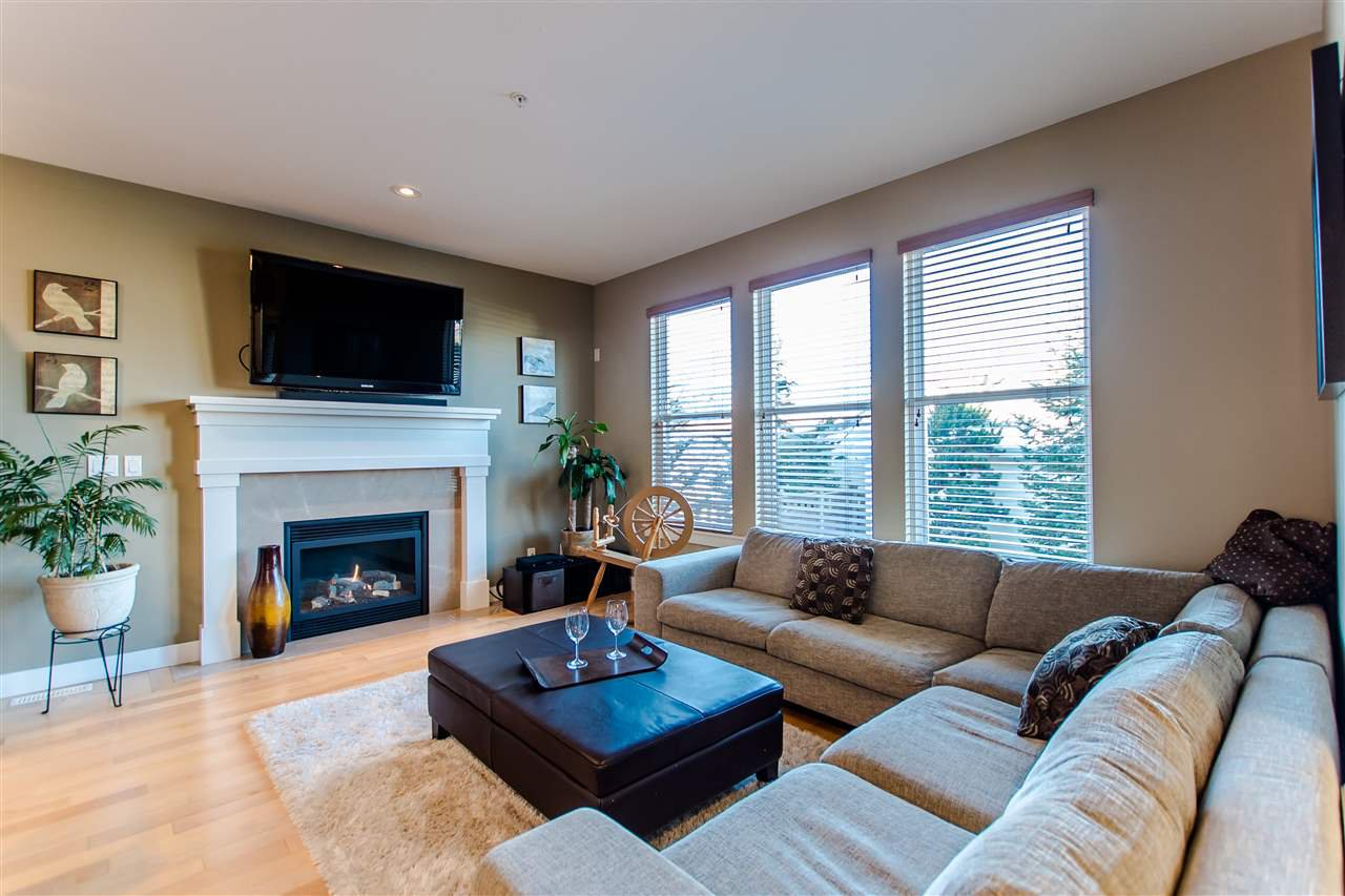 """Photo 6: Photos: 9423 CASIMIR Street in Langley: Fort Langley House for sale in """"Bedford Landing"""" : MLS®# R2339195"""