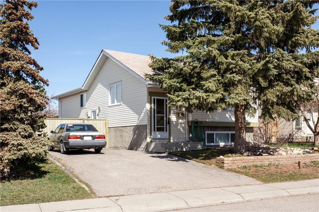 Main Photo: 93 ABERDARE Road NE in Calgary: Abbeydale Detached for sale : MLS®# C4240941