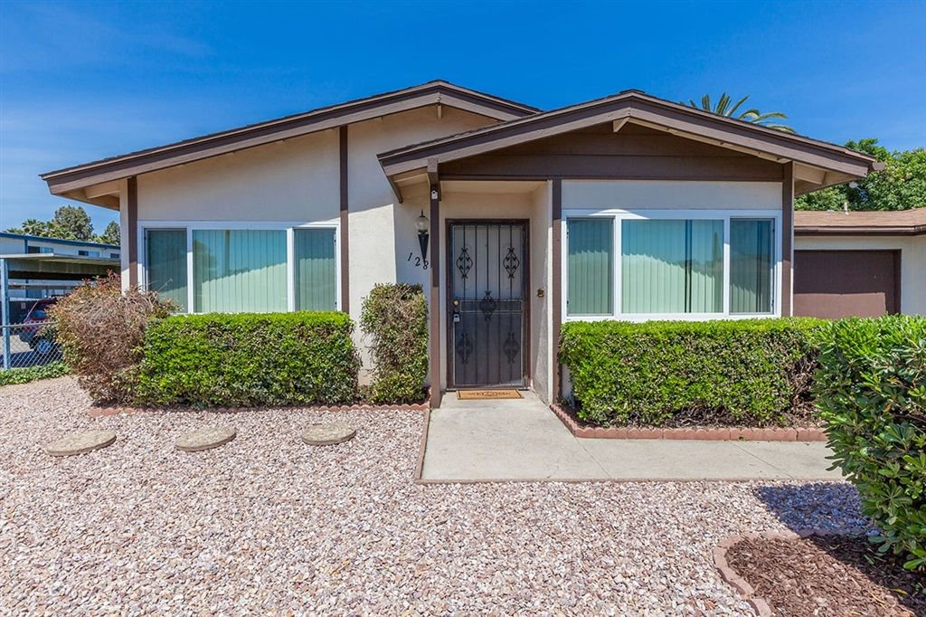 Main Photo: SOUTH ESCONDIDO House for sale : 2 bedrooms : 128 Gayland in Escondido