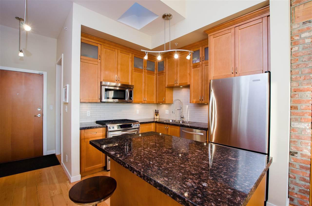 "Photo 2: Photos: 410 240 SALTER Street in New Westminster: Queensborough Condo for sale in ""REGATTA"" : MLS®# R2403405"