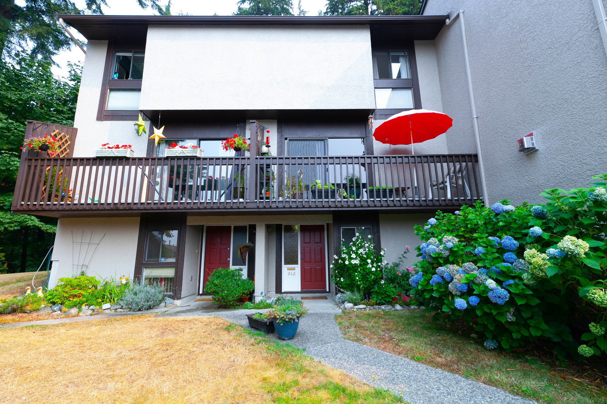 Main Photo: 545 Ioco Road in Port Moody: Townhouse for sale : MLS®# R2317134